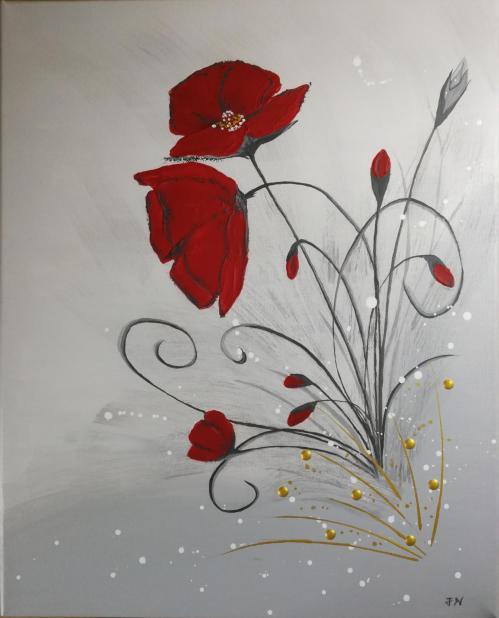 Fleurs de coquelicot sur fond gris